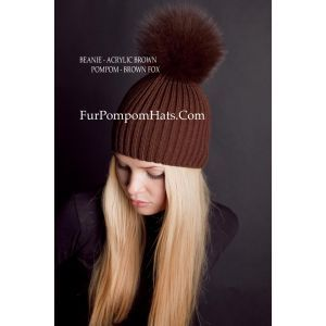 Brown fox pompom hat - Brown fur bobble beanie - furpompomhats